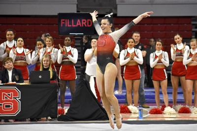 Caitlyn Fillard Floor vs. W Michigan, William & Mary