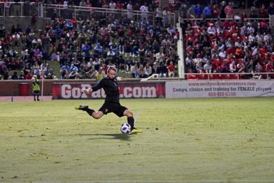 Leon Krapf Kicks