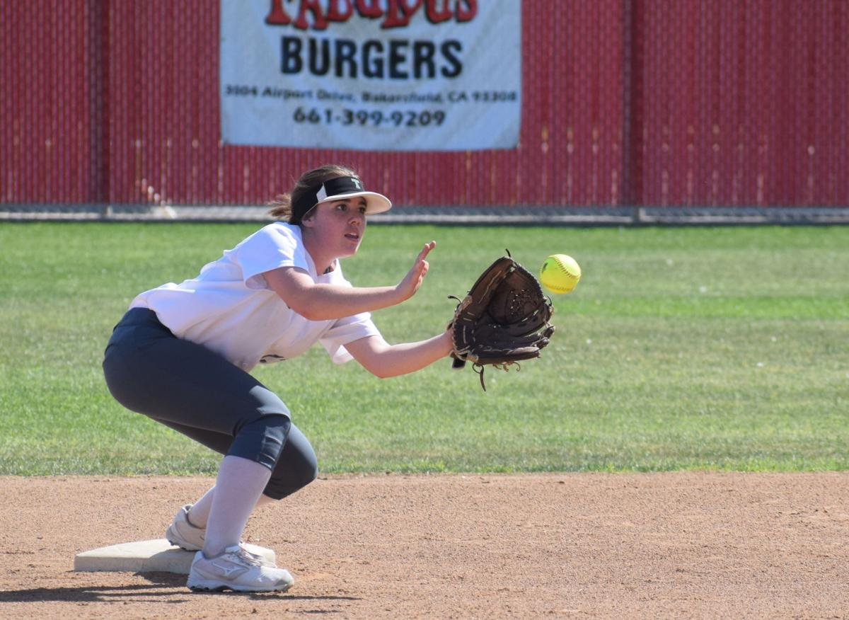 Emma Barrett making a play at second.JPG