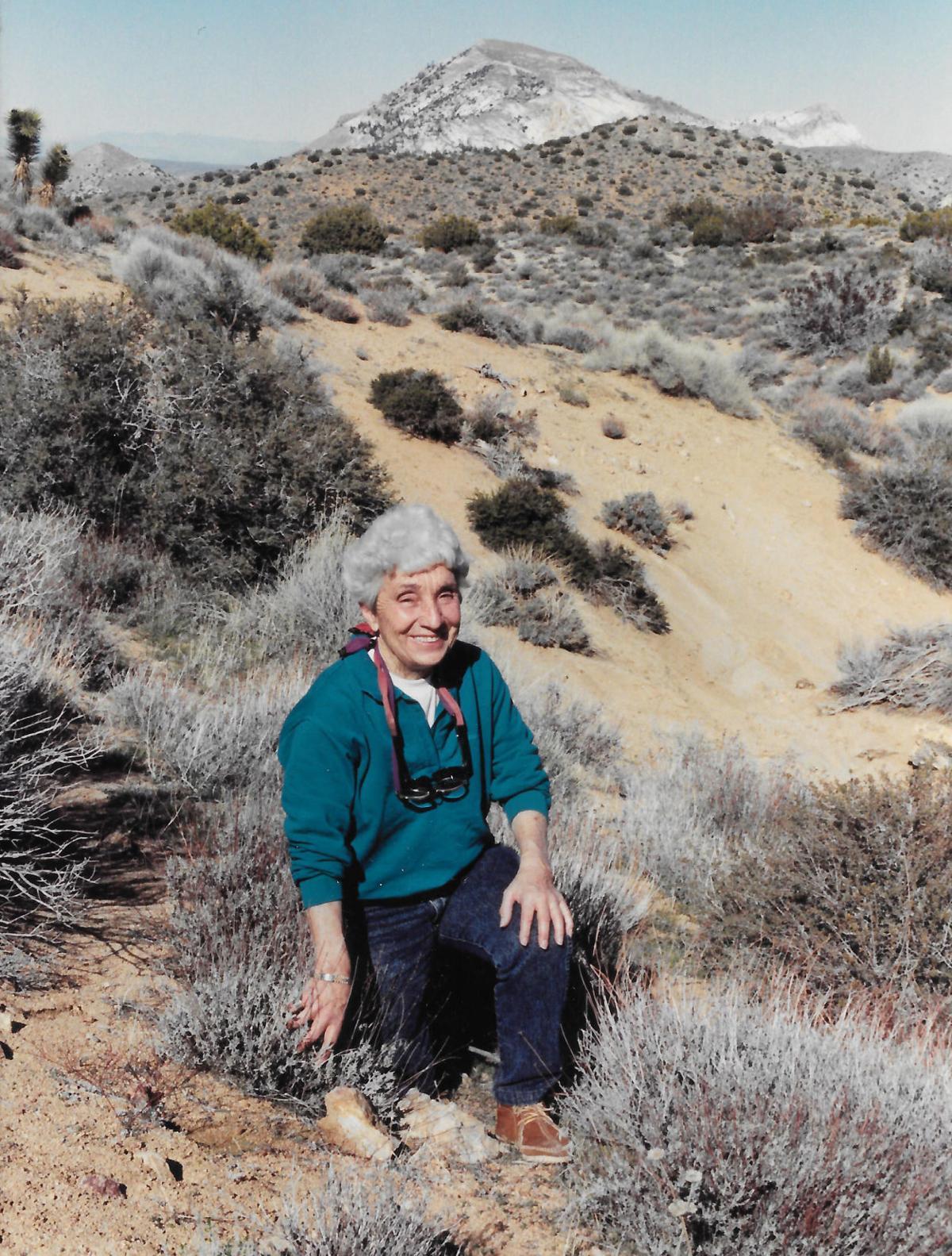 Louise DeZan Mantoth, 1922-2018