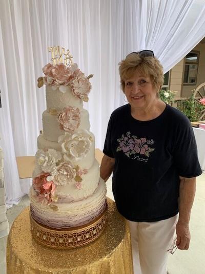 Linda's Cakes 'n things_0990.JPG