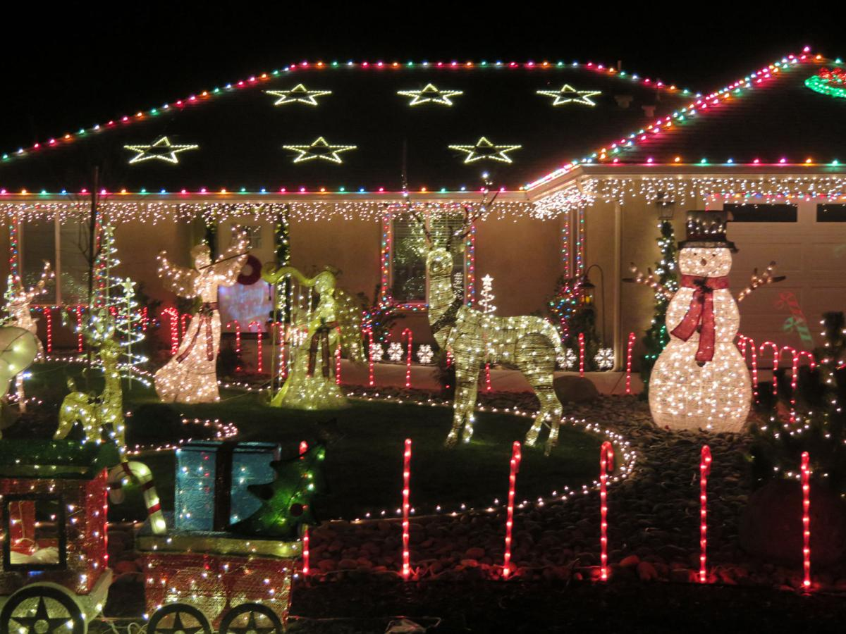 winning 1st place in tehachapi news annual outdoor christmas light contest is sean and meagan galloway of 27770 crofun road - Best Lights For Outdoor Christmas Decorations