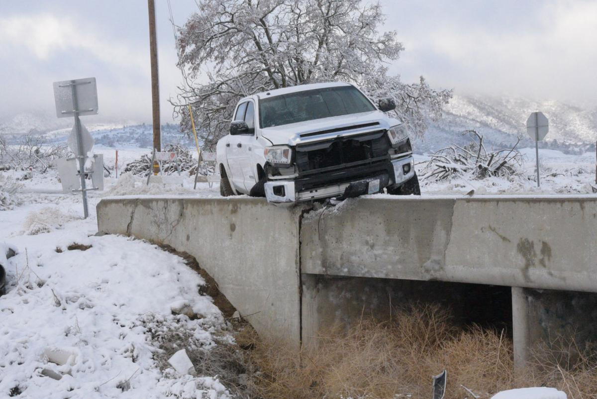 PHOTO GALLERY: Snowstorm hits greater Tehachapi