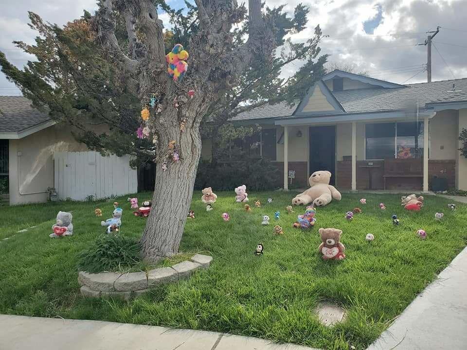 Hearts & Bears: Tehachapi shows its quarantine spunk