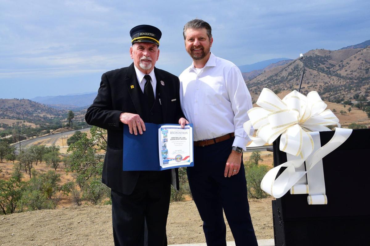 New Tehachapi Loop Overlook celebrated