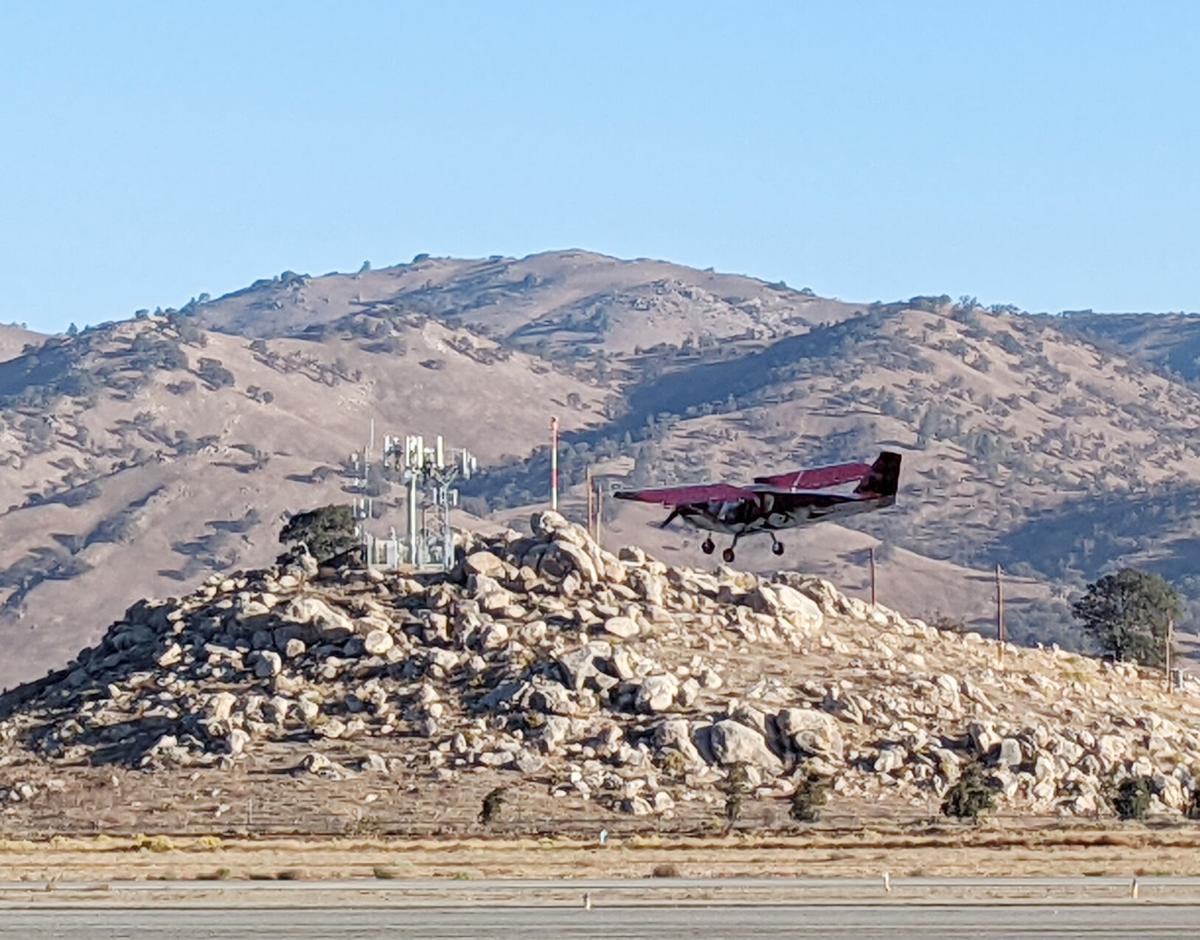 Flight 01 - plane just after takeoff.jpg
