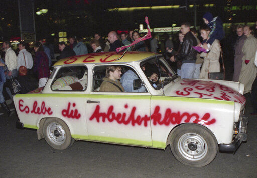 30 years after Berlin Wall fell, East-West divides remain