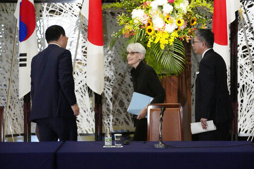 Japan, US, South Korea reaffirm cooperation on North Korea