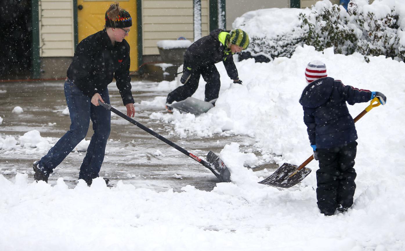 12122020-snowfall2-dk.JPG