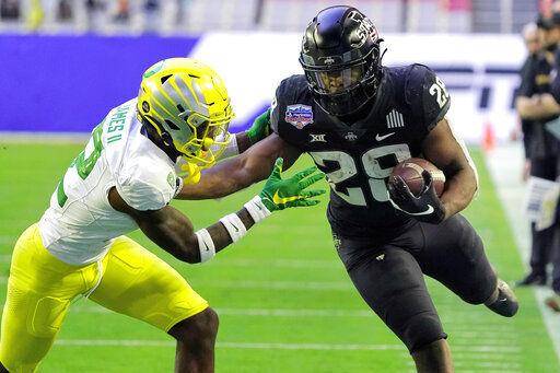 No. 12 Iowa State beats No. 25 Oregon 34-17 in Fiesta Bowl