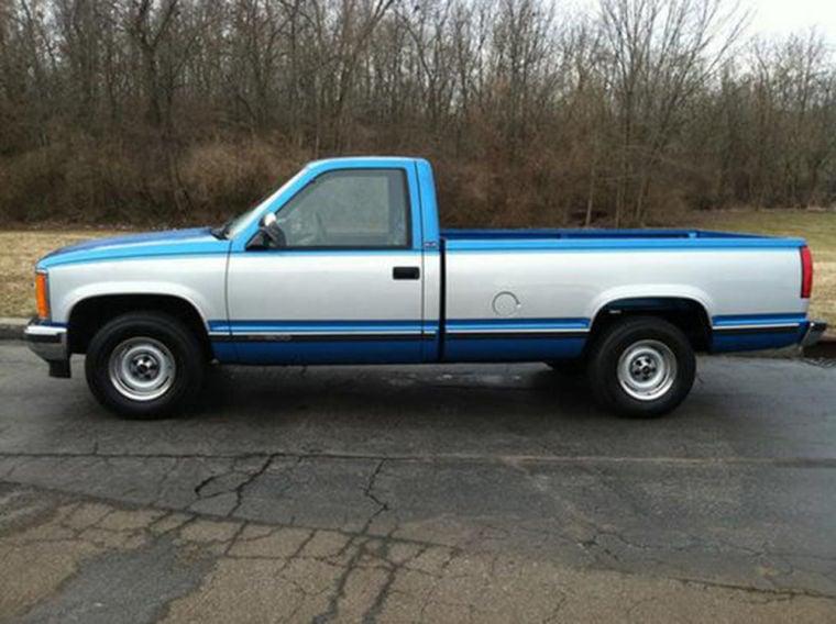 1992 gmc sierra c k 1500 blue over silver jpg tri state news telegraphherald com 1992 gmc sierra c k 1500 blue over