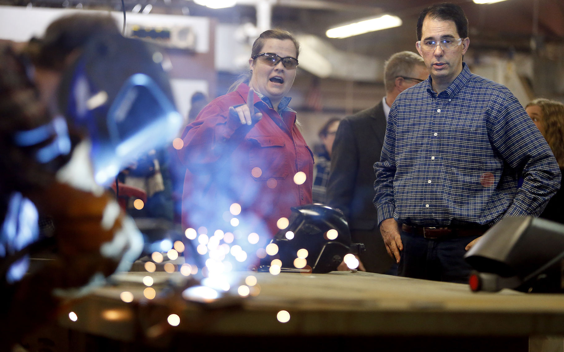 Wisconsin Governor Touts Sparsity Aid Bill During Visit To Potosi