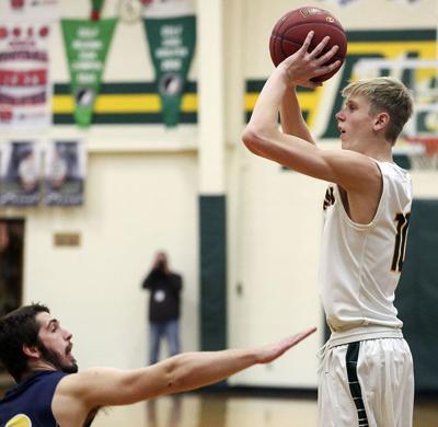 Dyersville Beckman vs Cascade basketball