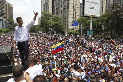 Venezuelans take to streets as uprising attempt sputters | National