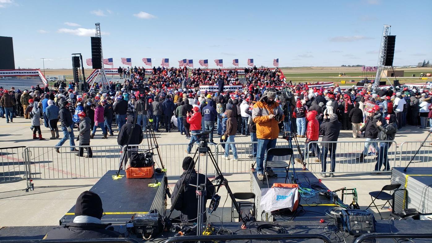 Trump crowd