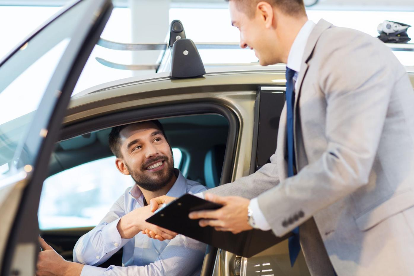 The Pros and Cons of Leasing vs. Purchase