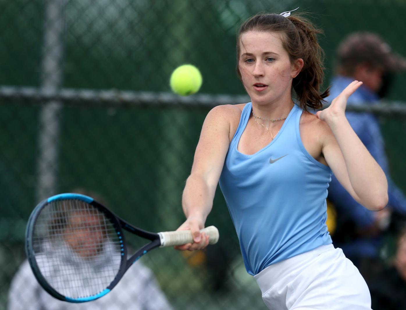 Dubuque Wahlert vs. Dubuque Senior tennis