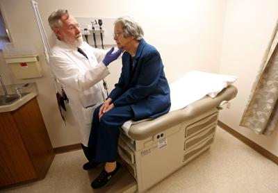 Dubuque's 'go-to' infectious disease specialist set to retire