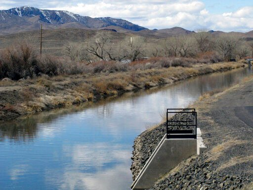Feds want to fix canal, but Nevada town lives off the leaks