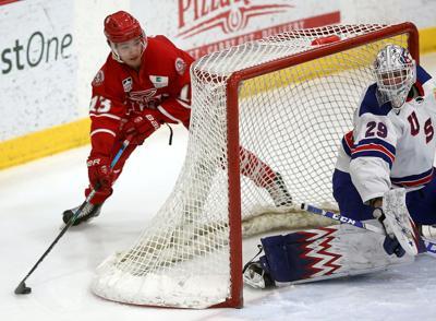 02282021-saintshockey6-jr.jpg