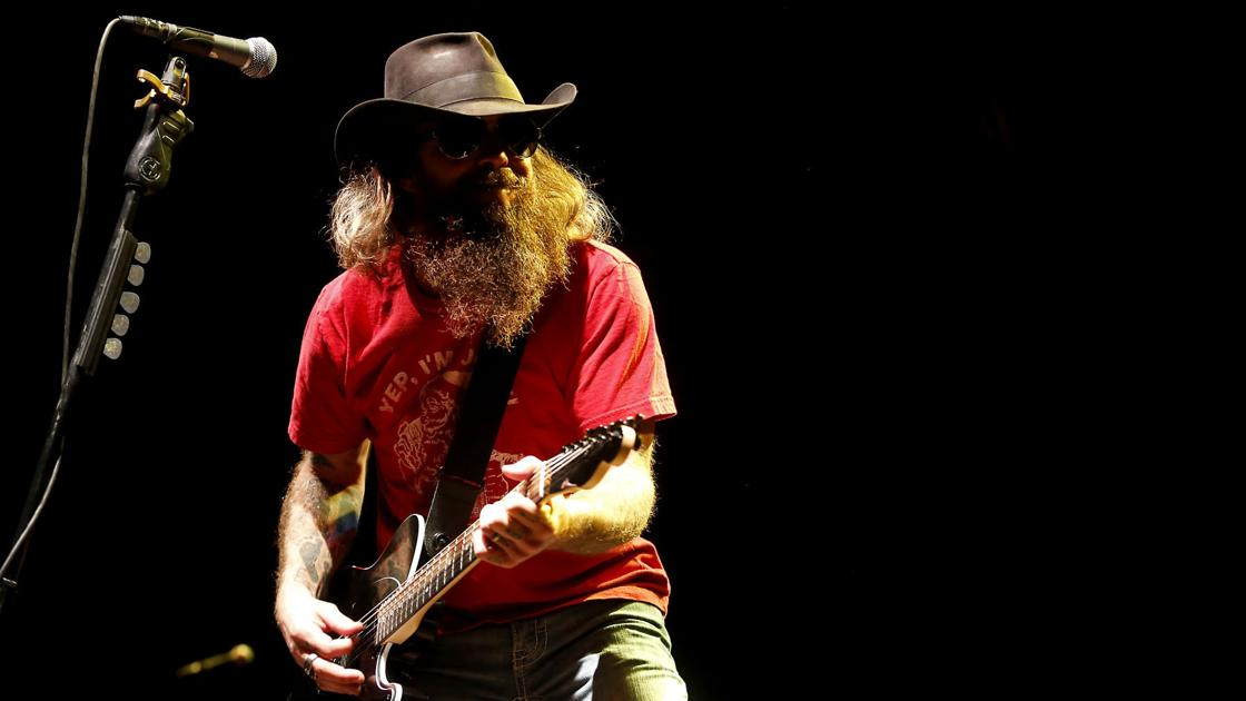 Outlaw country star to appear next month in Dubuque