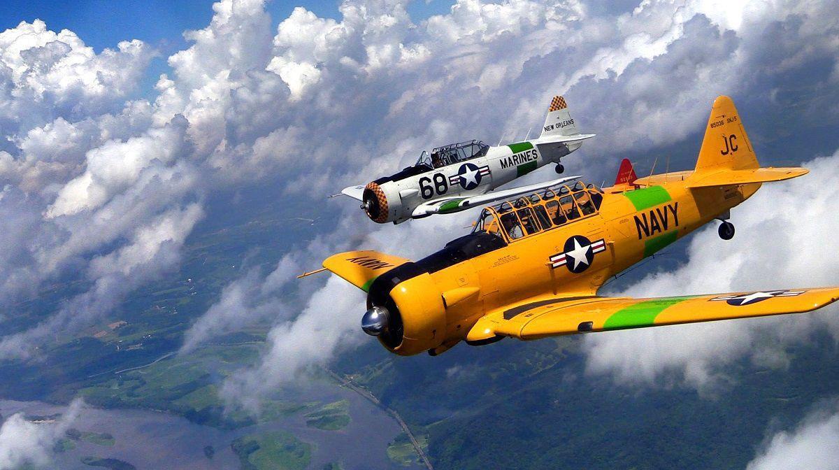 World War Ii Era Aircraft Returning To Dubuque Skies This