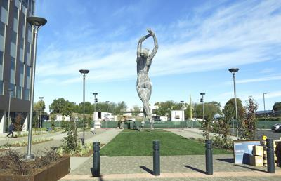California Nude Statue