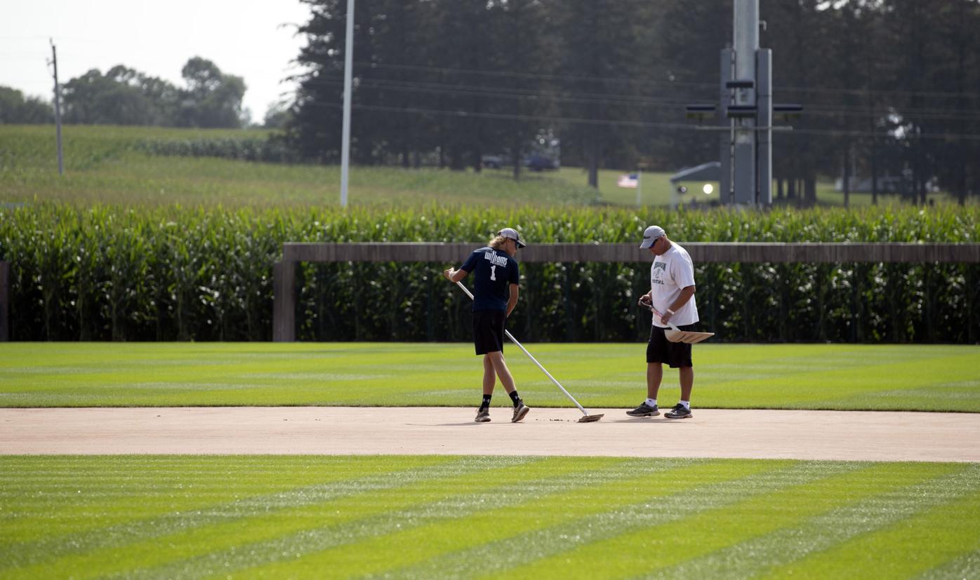 MLB At The Field of Dreams