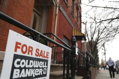 US mortgage rates move little after big drop