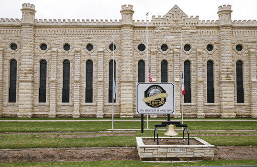 Union leader blames underfunding for Iowa prison killings