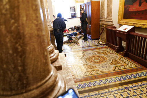 Pelosi says bipartisan panel should investigate Capitol riot