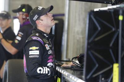 Jimmie Johnson looking for win at Indy to get into playoffs