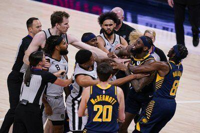 Spurs Pacers