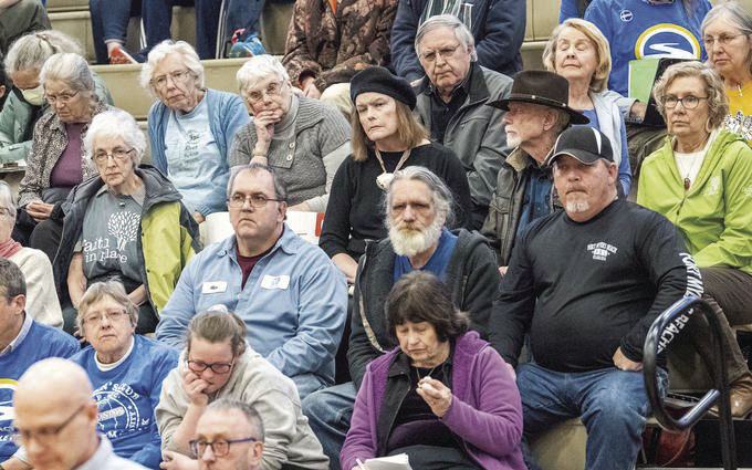 Crowd at IEPA hearing pushes for removal of coal ash near Middle Fork