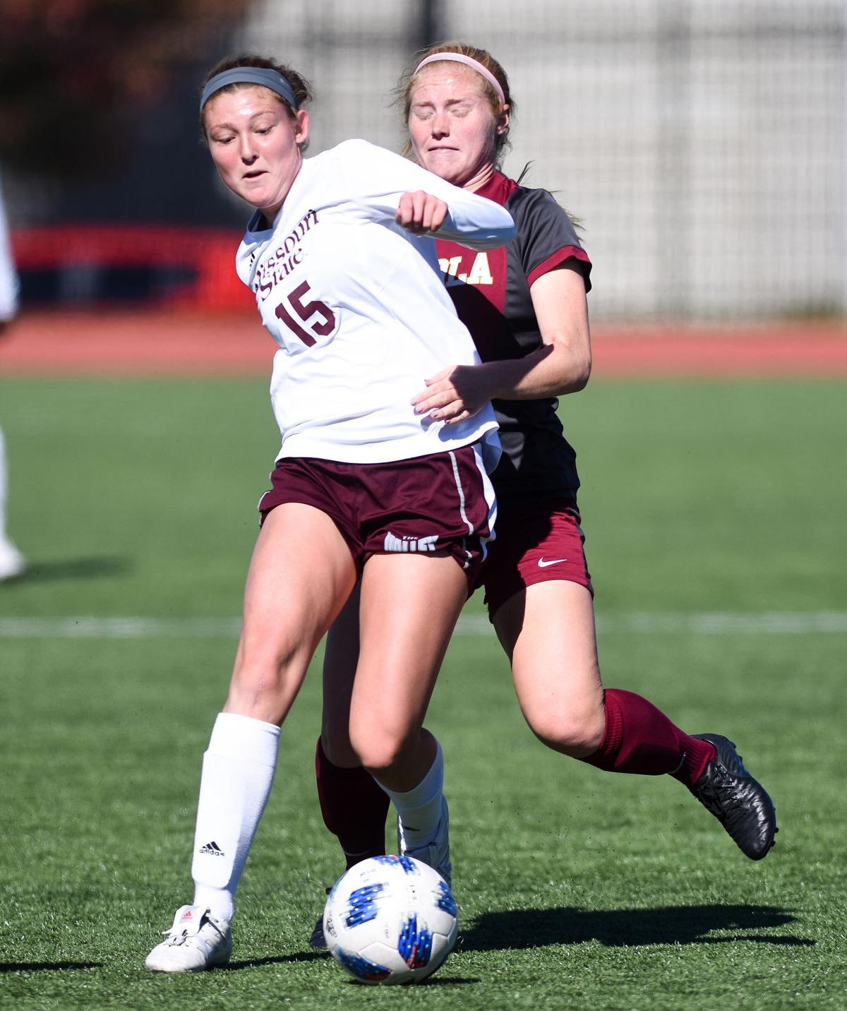 Anna Durnin shields the ball