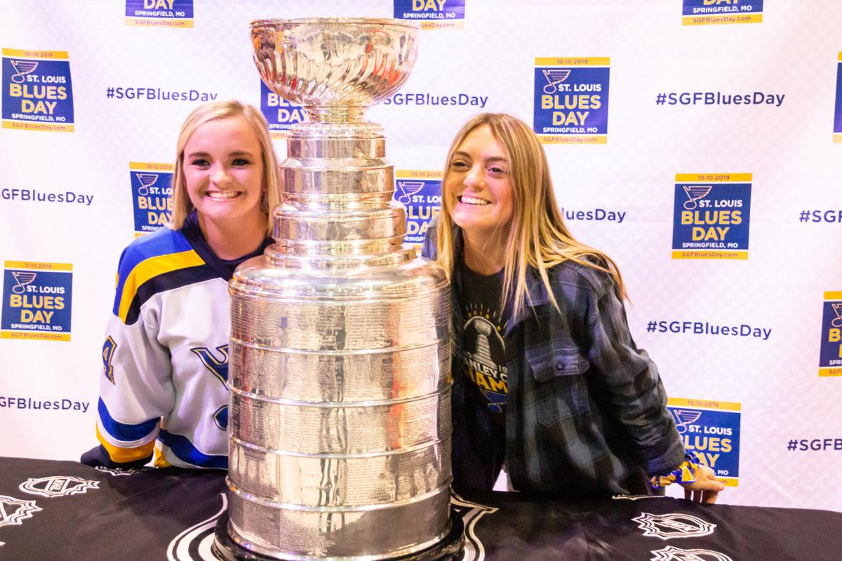 Molly Tindall, Maddy Giovanni with Stanley Cup