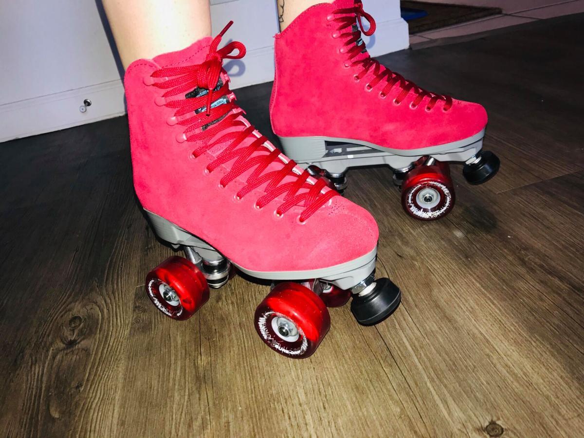 Baylee Roy - Roller Skating