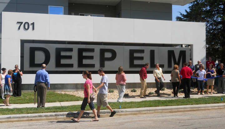 Deep Elm sign