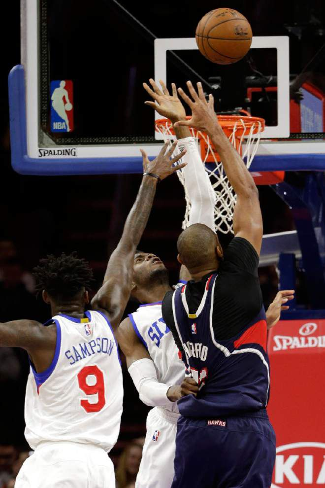 Lowly 76ers surprise Hawks 92-84 _lowres