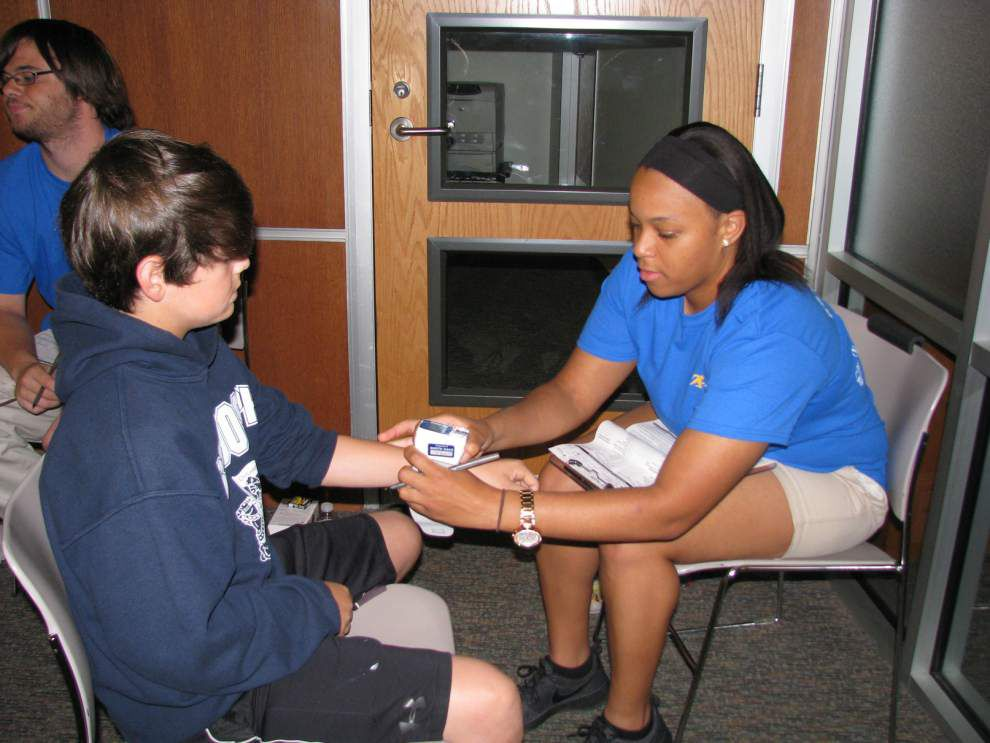 1,500 student-athletes receive free physicals _lowres