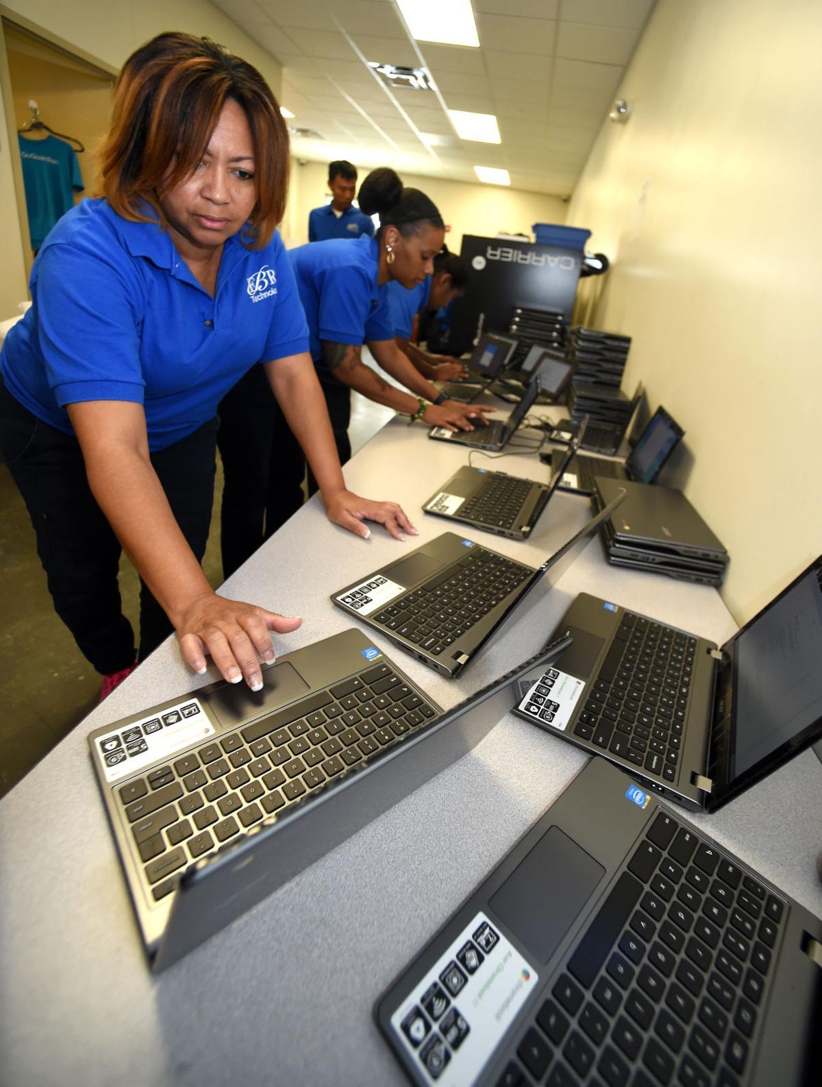 Chromebooks019.jpg