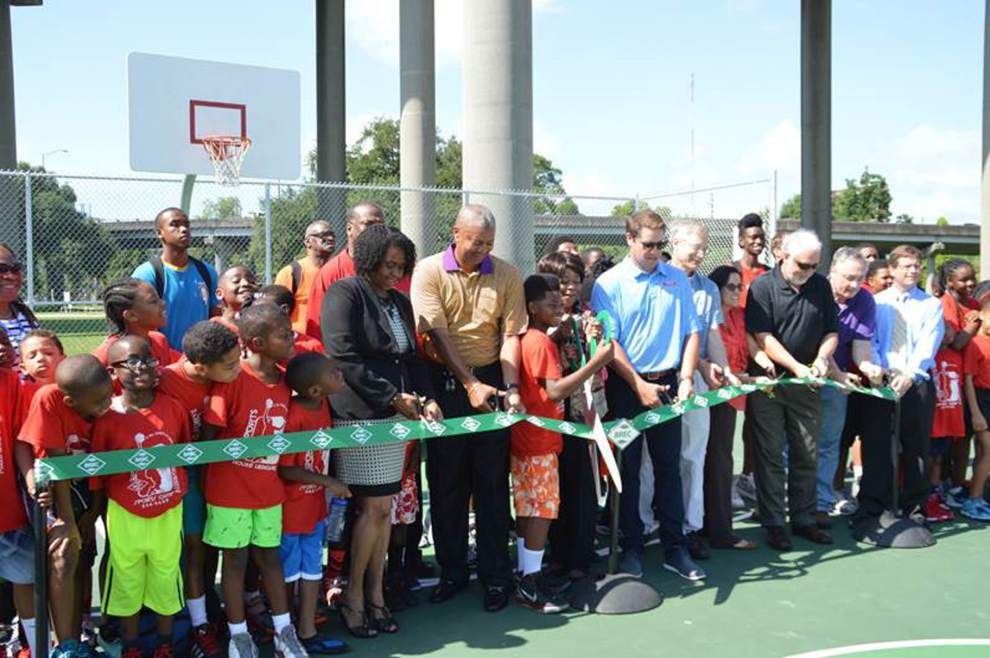Ribbon-cutting held at new basketball court _lowres