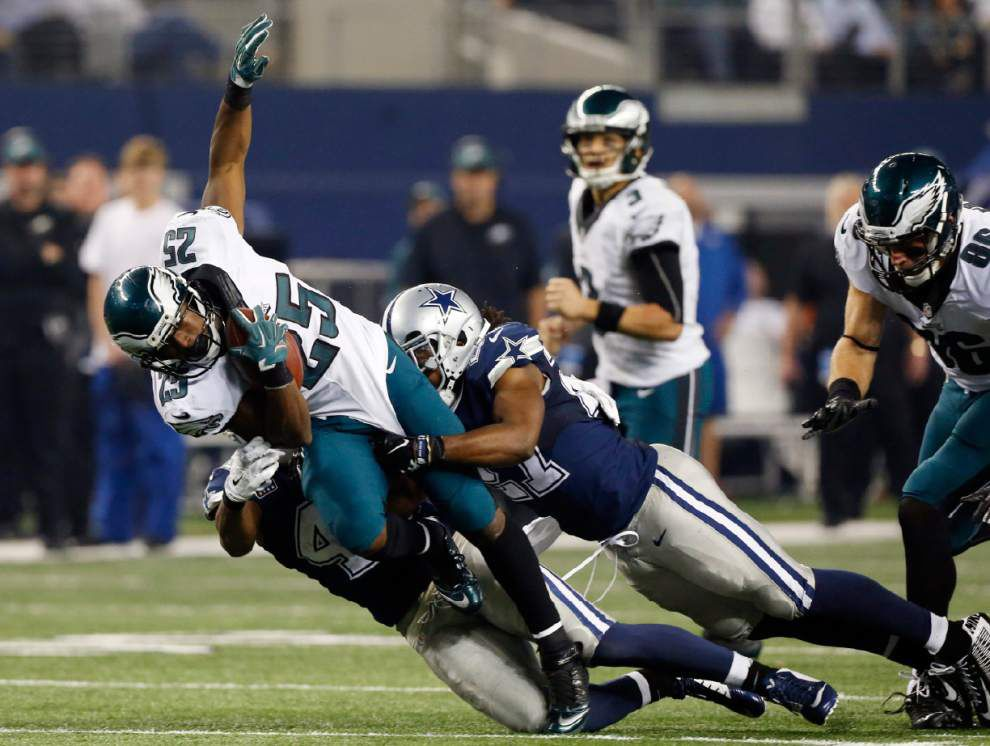 McCoy, Eagles roll over Cowboys _lowres