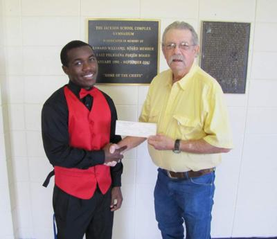 Wilson teen awarded agriculture scholarship _lowres