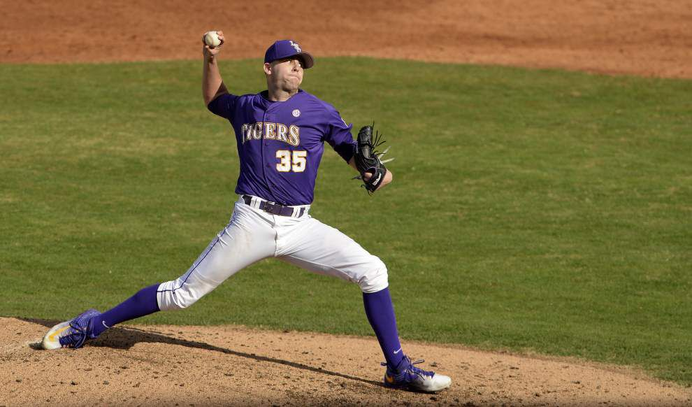 Behind pitcher Alex Lange and his breaking ball, LSU baseball posts a 4-0 win against Cincinnati _lowres