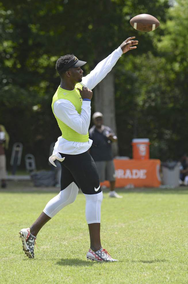 Impressive talent in play at 7-on-7 tourney _lowres