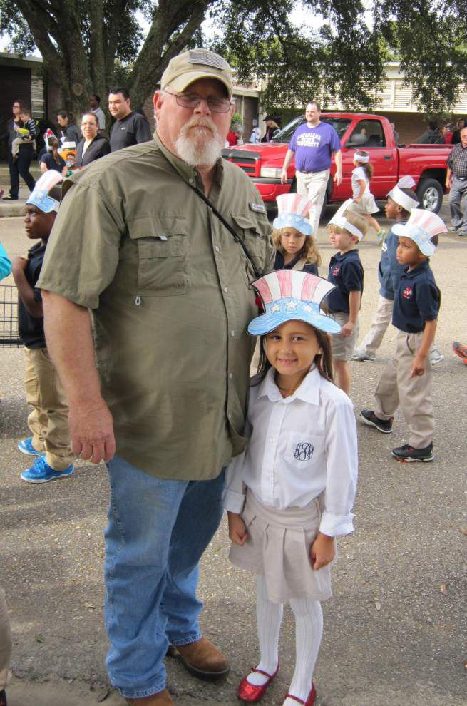 Kindergartners celebrate veterans _lowres