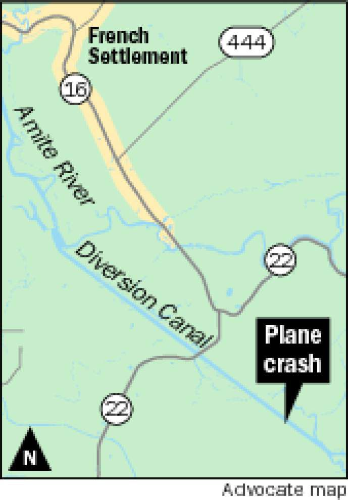 Ultralight aircraft crashes into Diversion Canal, pilot uninjured _lowres