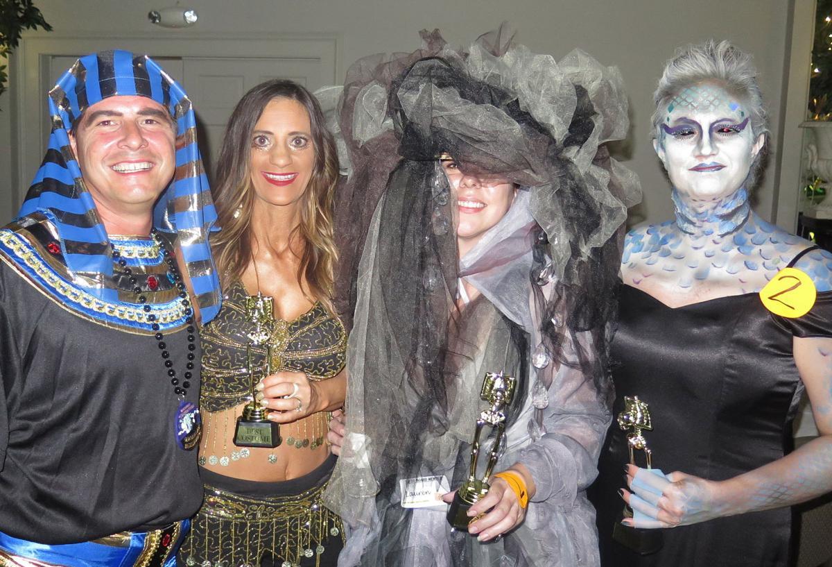 Party.GhostlyGala01.1016.jpg