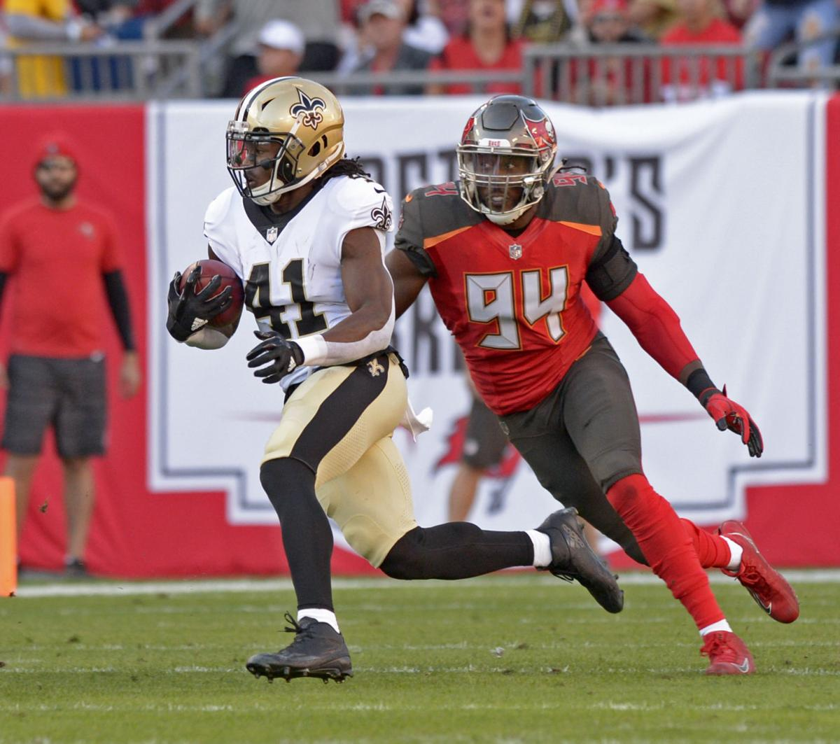 3f1ba529e3e Playoff-bound Saints lose close one to Buccaneers, 31-24, still claim  division title